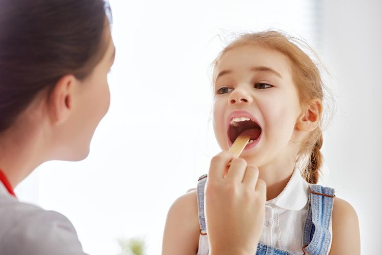 Girl Licks Tongue Depressor in Doctor's Office, Mom Arrested