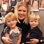 Kelly Clarkson Shares How She Prioritizes Her Kids Despite Her Incredibly Busy Schedule