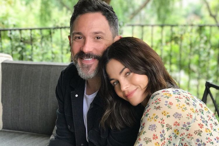 jenna dewan debuts baby bump after announcing she and boyfriend steve kazee are expecting