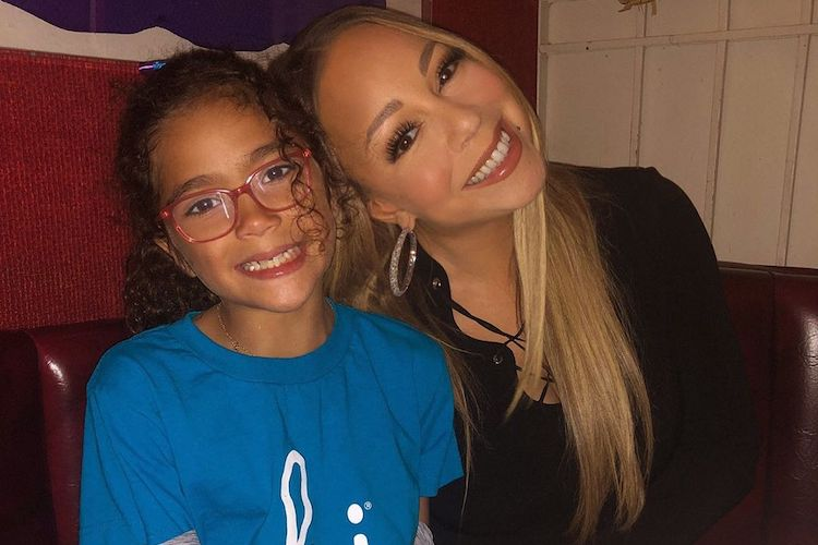 Mariah Carey Takes Daughter on Shopping Spree at Target