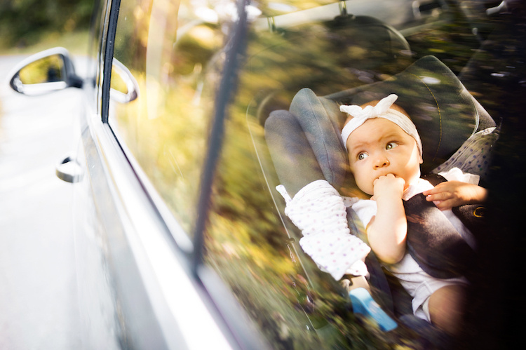 Dad wants mom to drive newborn baby 5 hours to see him