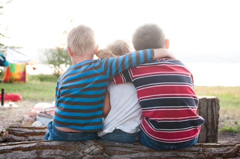more children of similar age less stress