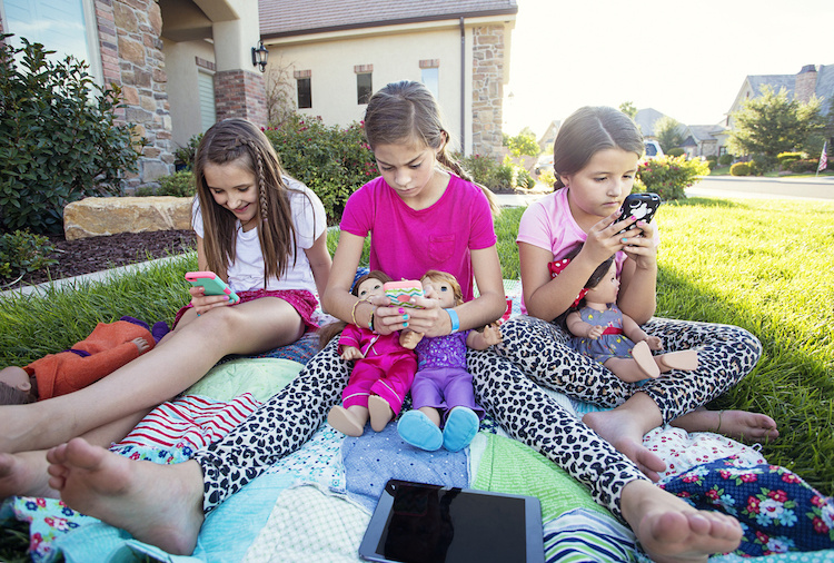 Gabb Wireless: New No-Internet Smart Phone for Kids