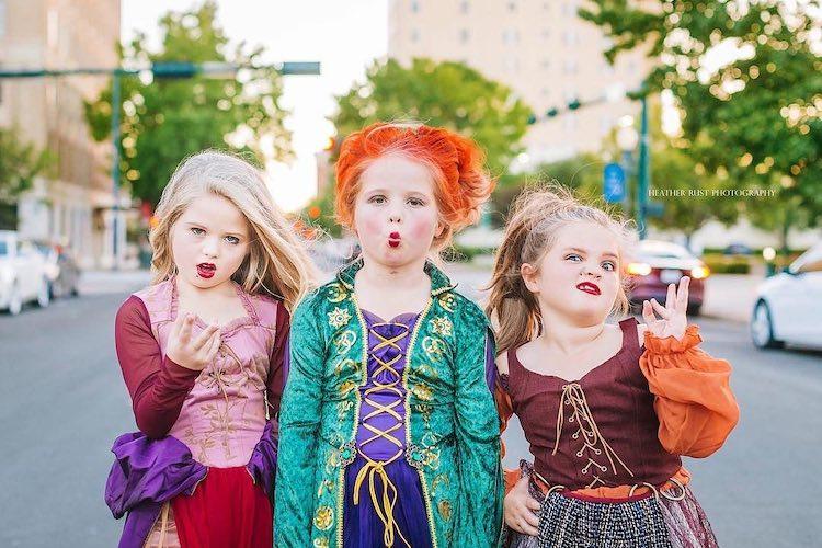 Graberstein Sisters: Girls Dressed Up in 'Hocus Pocus' Halloween Costumes
