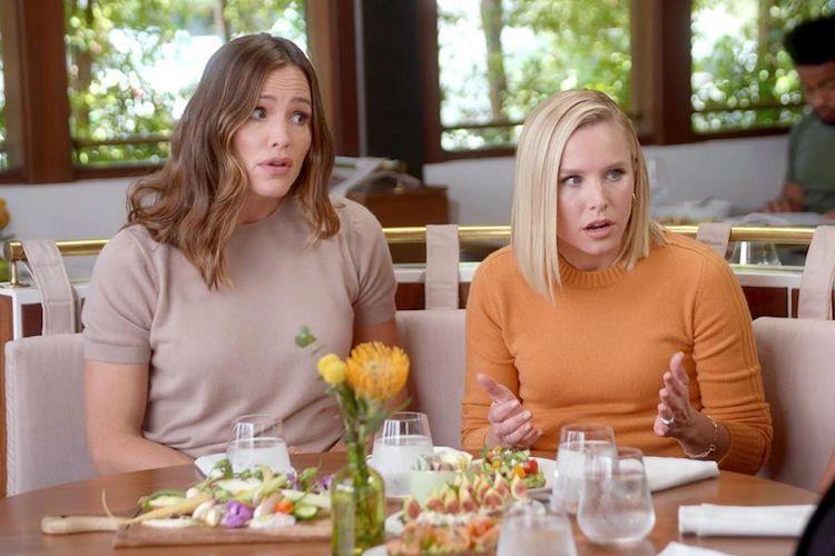 Kristen Bell and Jennifer Garner on 'Momsplaining' Podcast
