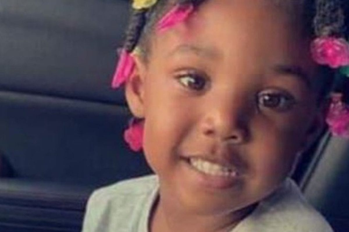 """Three-Year-Old Kamille """"Cupcake"""" McKinney Found in Alabama Dumpster After Weeks-Long Search"""