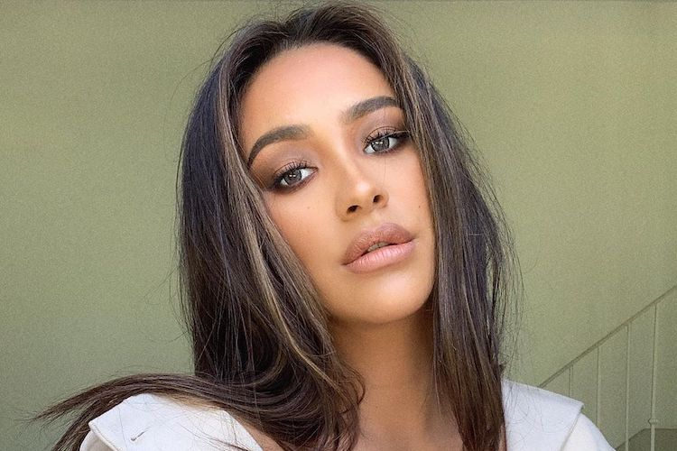Shay Mitchell Freaks Out About Idea of C-Section