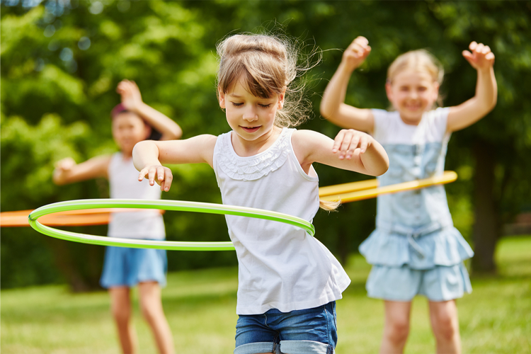 Is It Okay For A 6-Year-Old To Play Outside By Themselves?