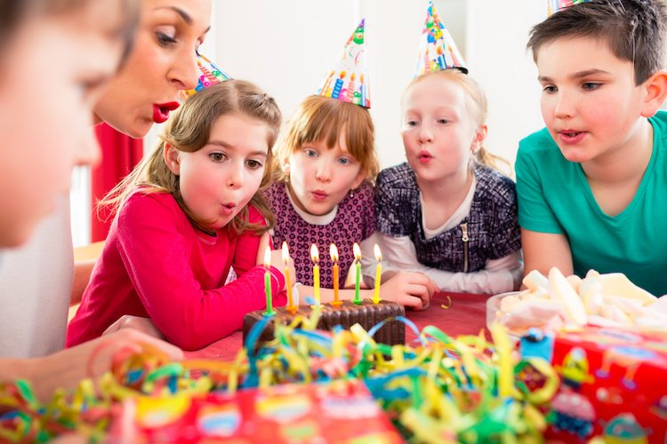 'Fiver' Parties are the Latest Brilliant Birthday Party Trend, and We Cannot Wait to Throw One