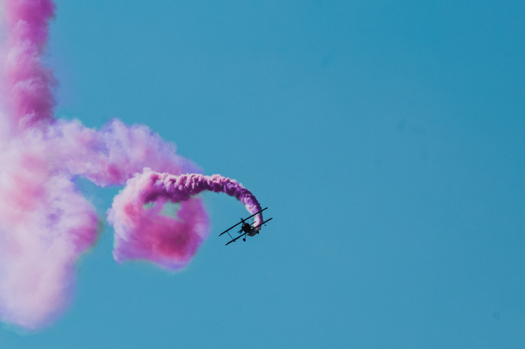 it's a boy! it's a girl! it's... a gender reveal stunt that ends with a plane crash in texas