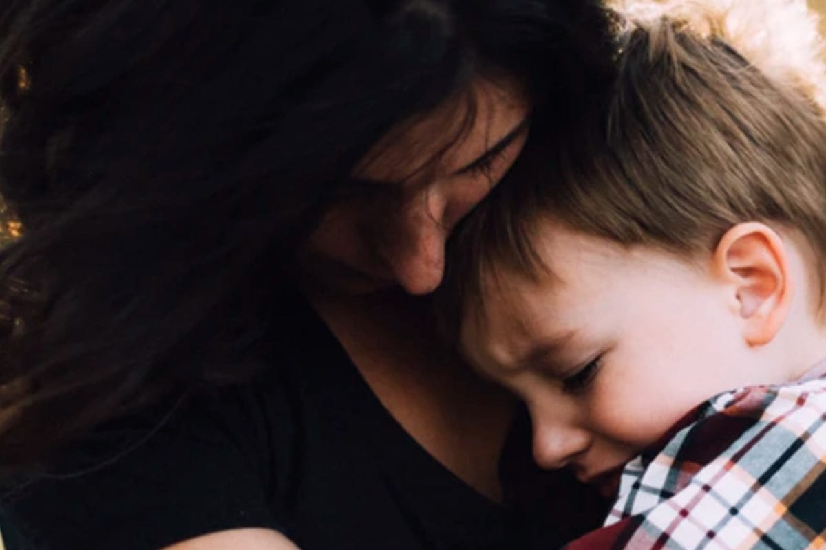 Mom Hates Being a Mom: Mom Admits Becoming a Mom is the 'Biggest Regret' of Entire Life, Complete Strangers Give Her Judgment-Free Advice