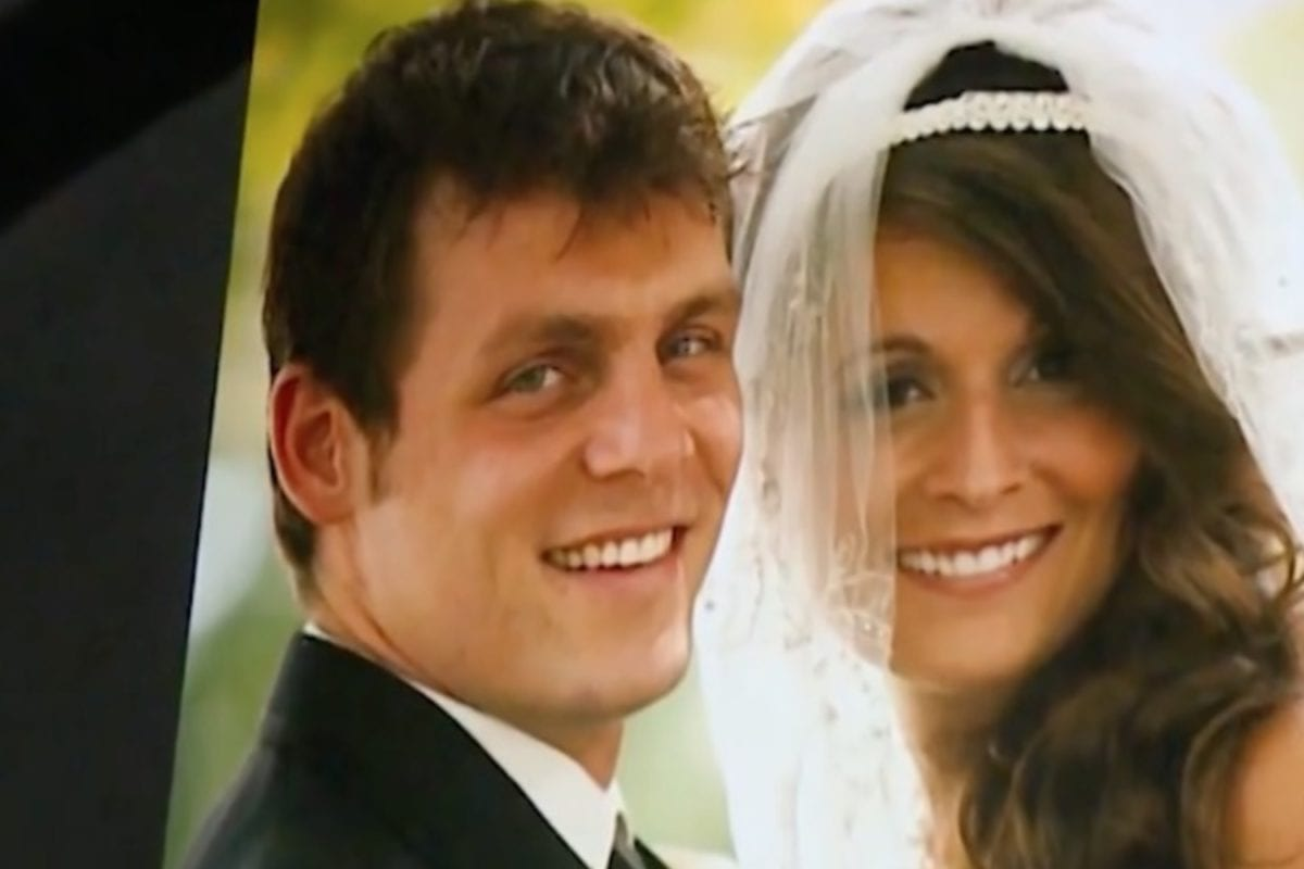 Newlyweds Opt to Start a Family Beside Wife's Deadly Brain Tumor. Her Best Friend Stepped up to Make Their Family Possible