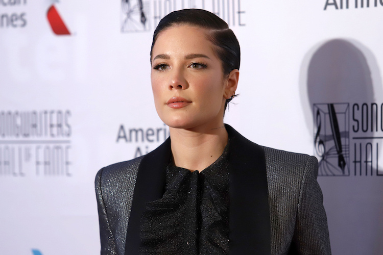 Pop Star Halsey's Response to Fake Pregnancy Rumors Is Actually Incredibly Smart, Sensitive, and Super-Cool