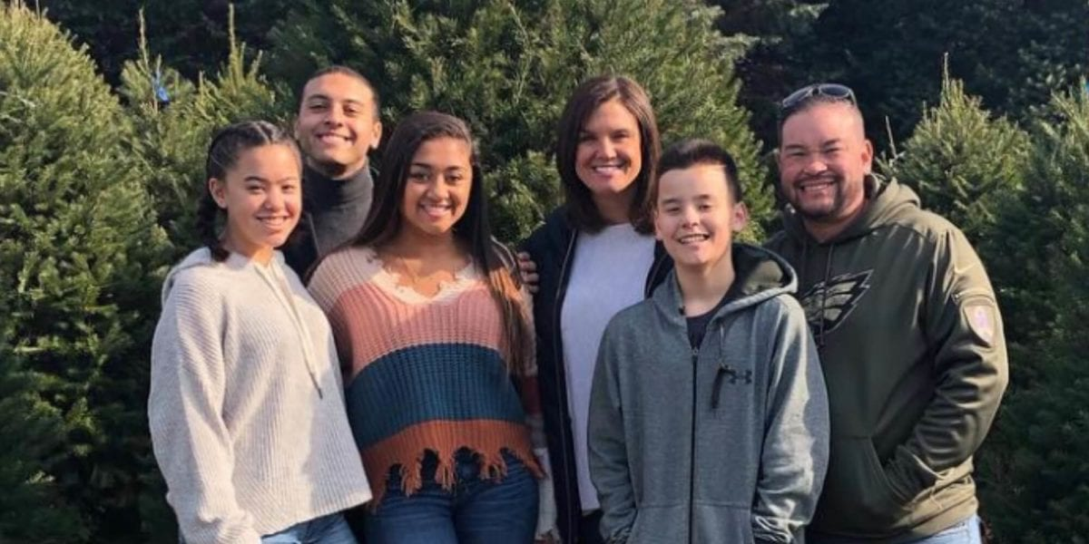 Jon Gosselin Shows Collin Christmas Tree Shopping With His Family One Month After Filing for Full Custody