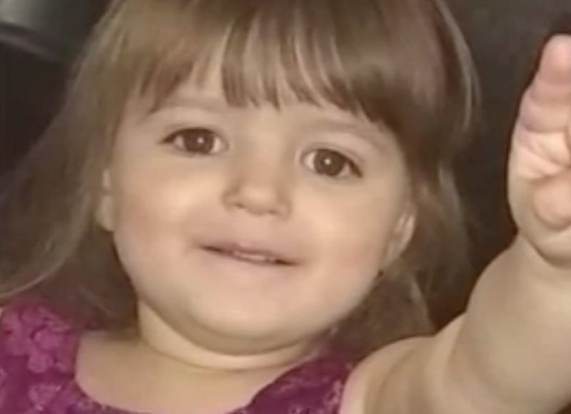 three-year-old dies of shaken baby syndrome, dad defends girlfriend charged with murder