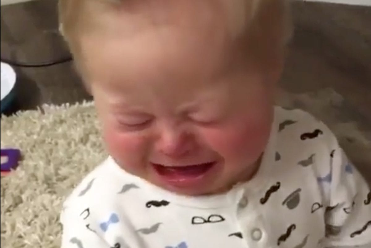 """people can't stop gushing over this sweet video of a little brother upset because his big sister was upset 