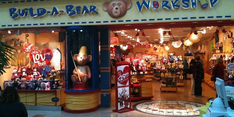 Mom at Build-a-Bear Party Makes Guests Give Their Bears to Birthday Girl. Their Parents Weren't Happy About It