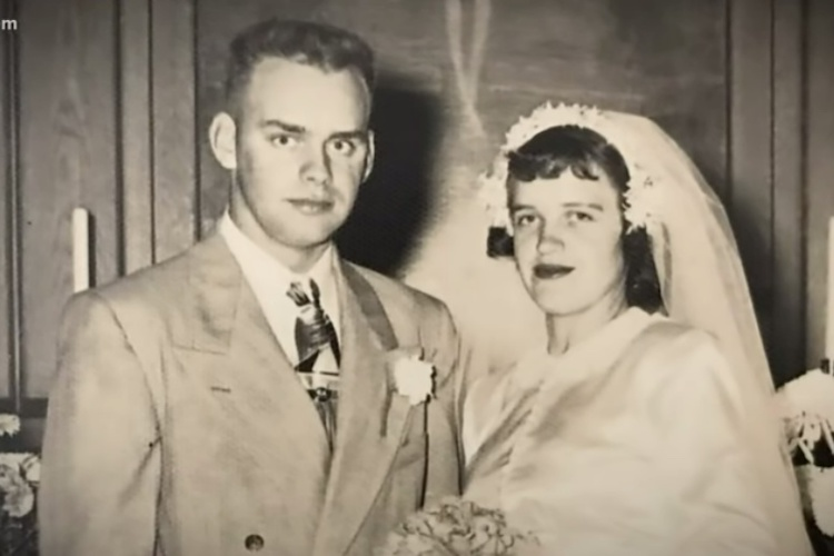 "Corinne and Robert ""Bob"" Johnson: This Couple Married in 1951, Remained Together for More Than 68 Years, Then Died Within 33 Hours of Each Other"