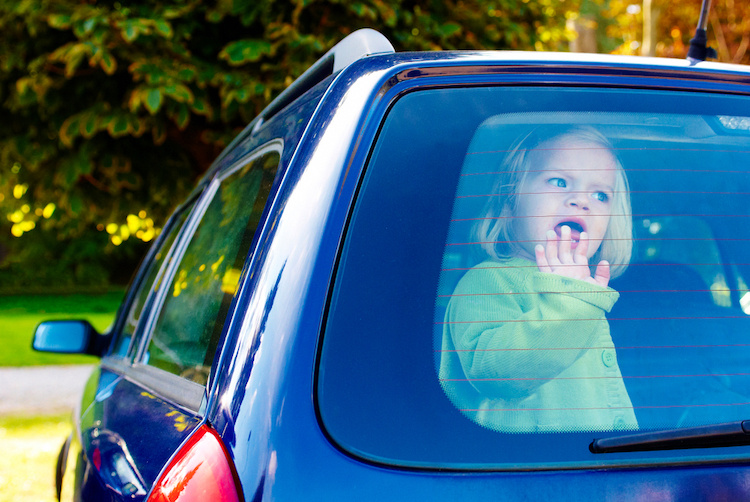 a queensland dad left his sick daughter in a hot car while he went and played poker