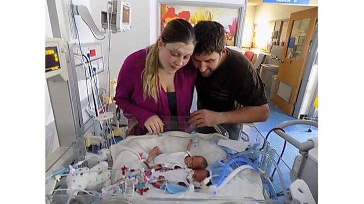 emily bridges: mom delivers premature twins in bathroom floor in under five minutes