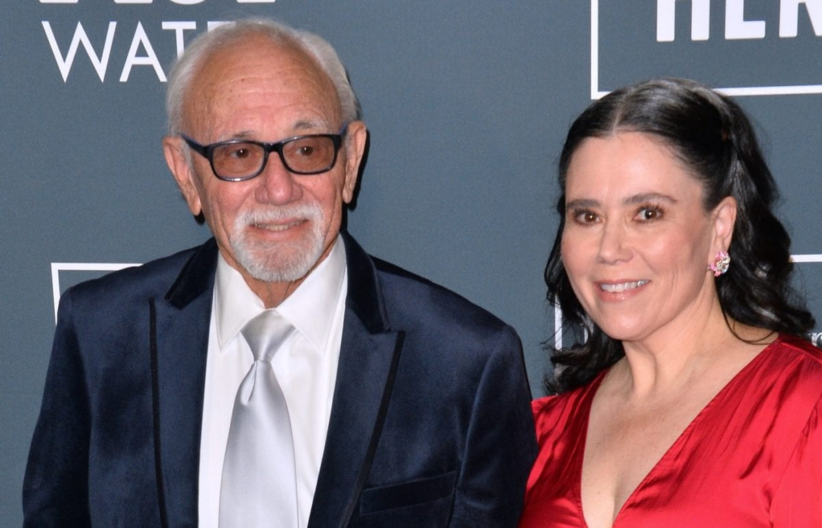 Actress and Mom of 2 Alex Borstein Thanks Her Parents for Making Her Have Children During Critic's Choice Awards Acceptance Speech
