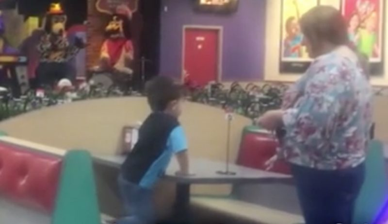after no one shows up for 4-year-old's birthday party, chuck e. cheese employees give him a special surprise