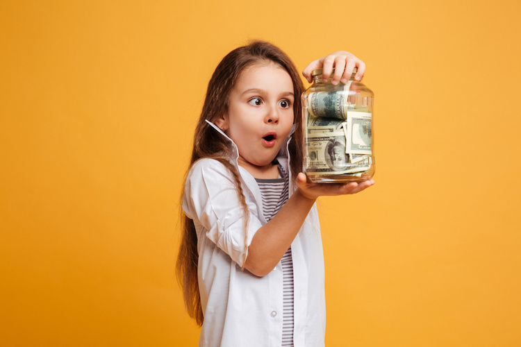 did this dad mess up when he refused to make his daughter share her lottery winnings with her stepsister?