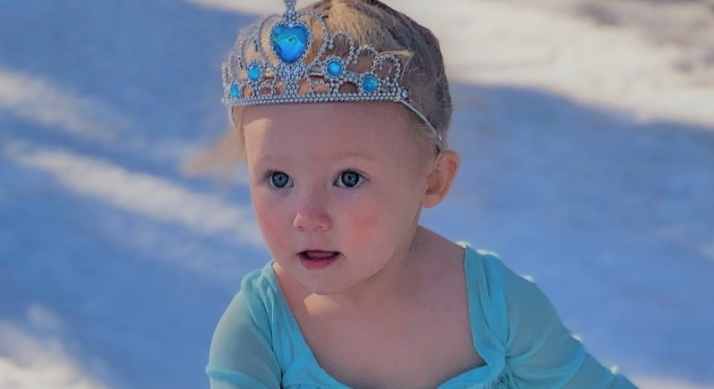 Toddler Recreates Favorite Frozen Scene During Rare Texas Snow Fall, And People Can't Handle How Cute It Is