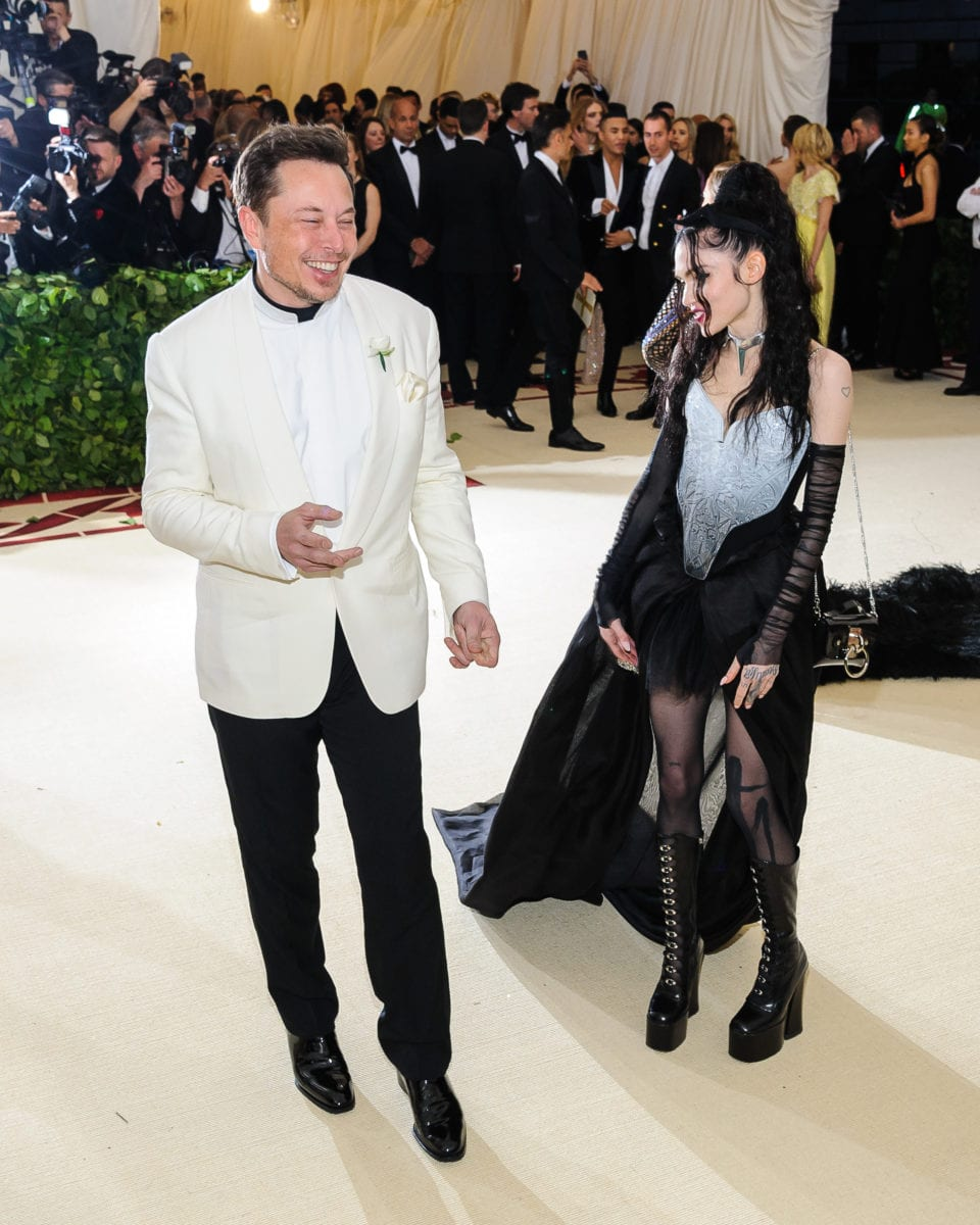 elon musk's girlfriend, singer grimes, confirms pregnancy