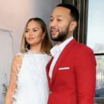 Chrissy Teigen Apparently Doesn't Like Any Girl Scouts Cookies, Her Review of Them Leaves Everyone Confused