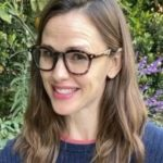 Amy Adams, Jennifer Garner Read Books to Children Via Social Media to Raise Money for Kids Affected by School Closures