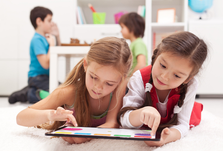 How Can I Keep My Kids Entertained and Engaged... Without Electronics?