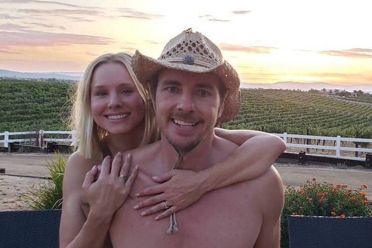 Gross! Kristen Bell Records Dax Shepard Performing 'Surgery' on Himself