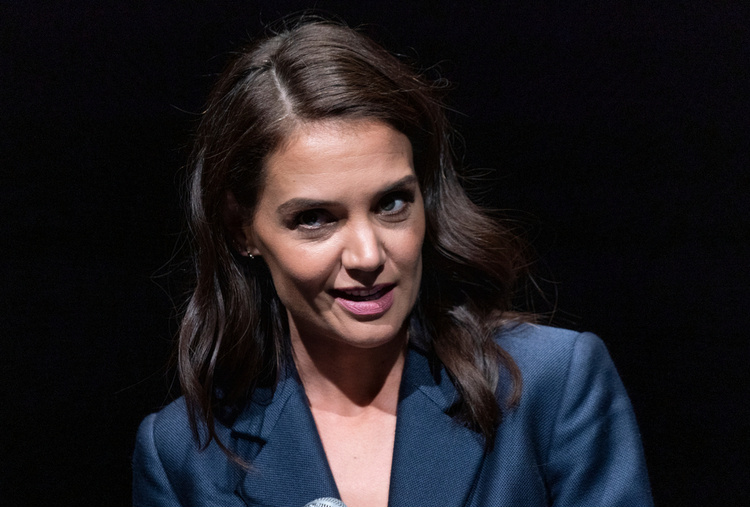 katie holmes shares rare glimpse of daughter suri on her 14th birthday