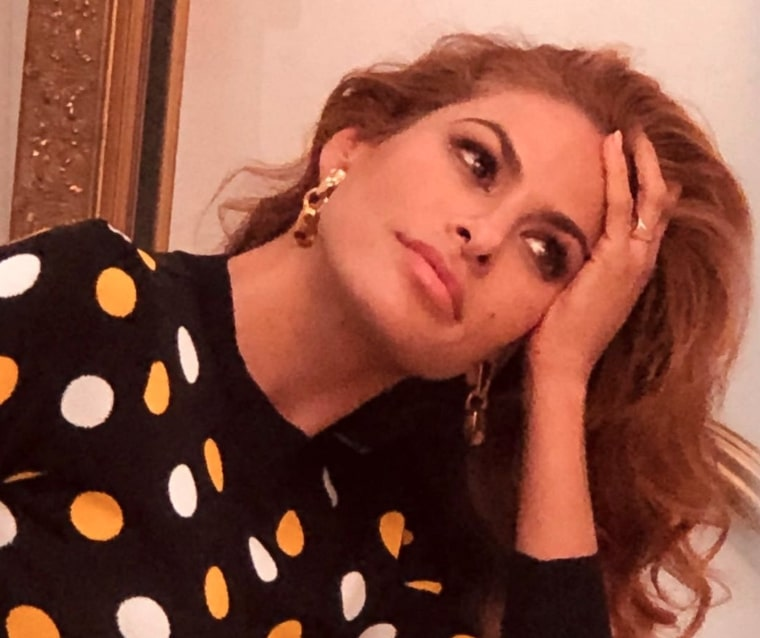 """Eva Mendes Gracefully Shuts Down Fan Who Claims Ryan Gosling """"Doesn't Help"""" Raise Their Kids"""