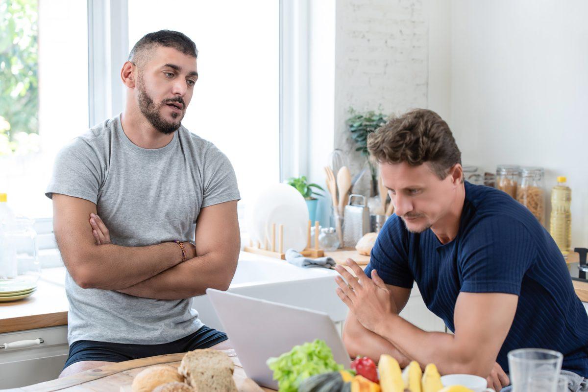 boyfriend jealous of partner's weight loss, sabotages diet