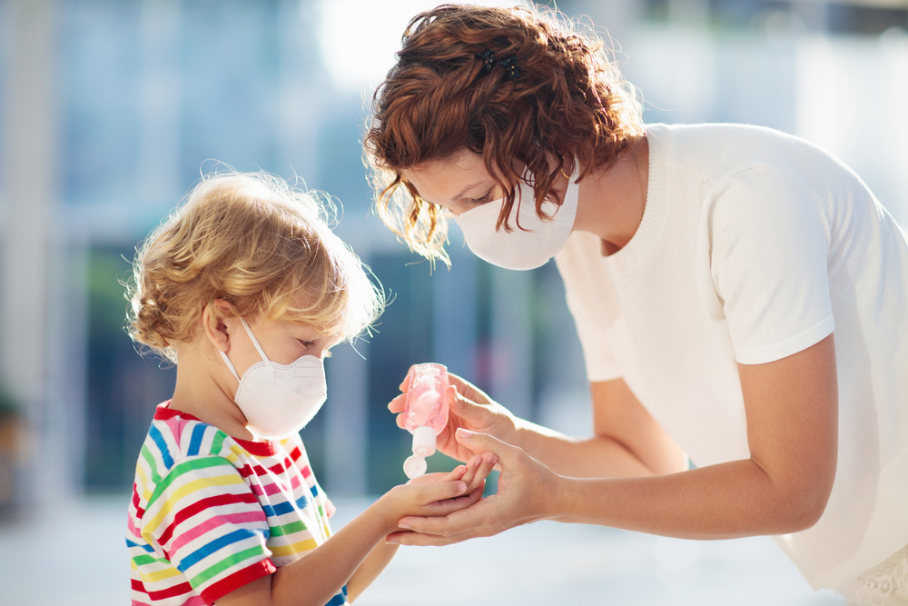 can daycares require kids to wear masks during the pandemic?
