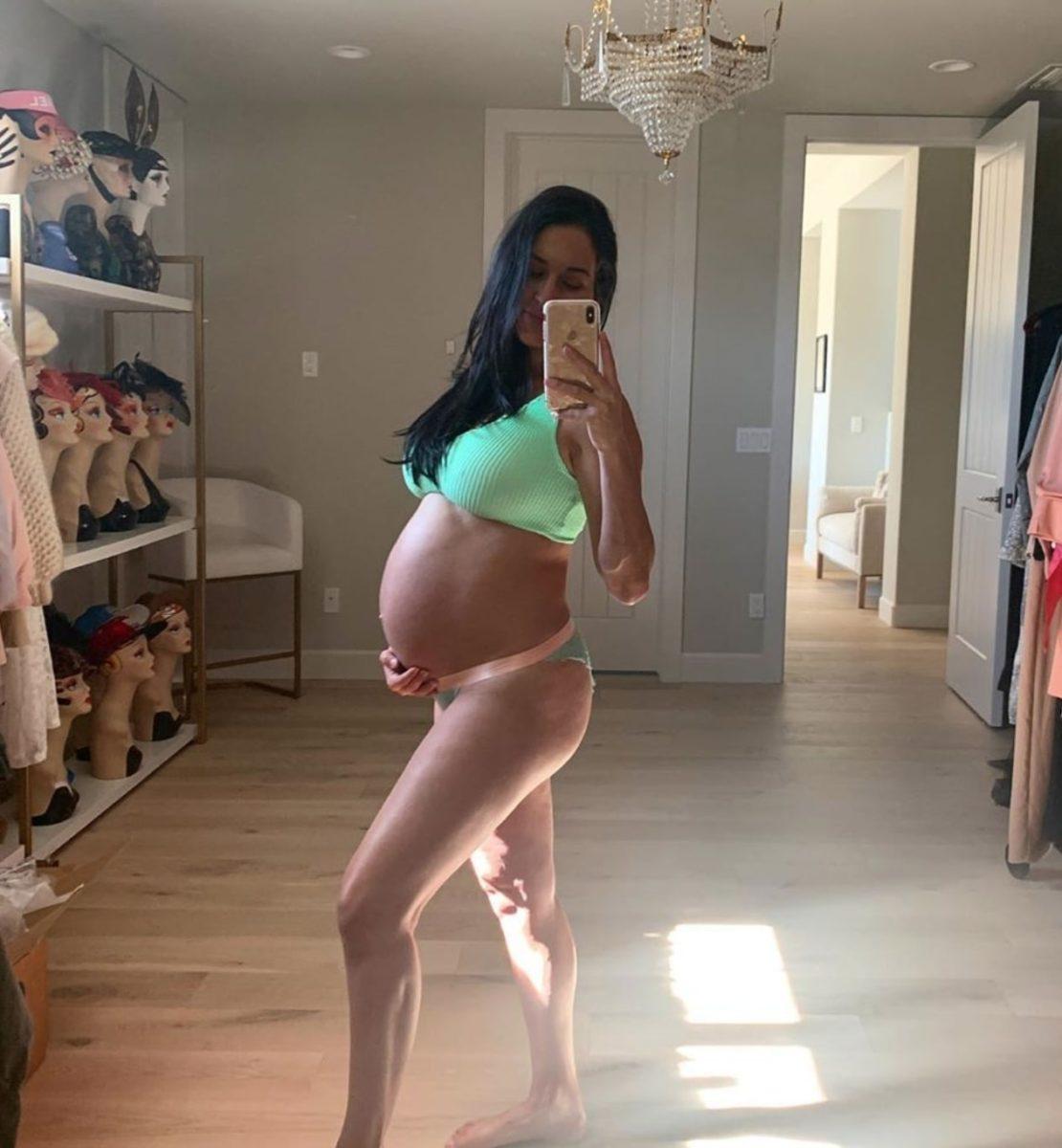 Nikki Bella Reveals In Pregnancy Update On Baby Bump