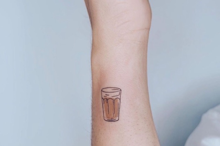 25 Micro Tattoos Worth Squinting At