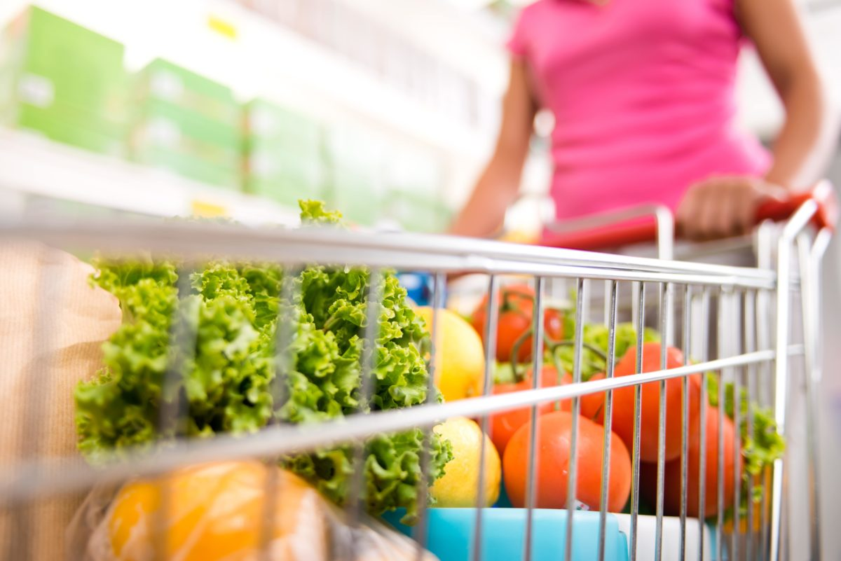 woman verbally assaulted in grocery store by pregnant mother