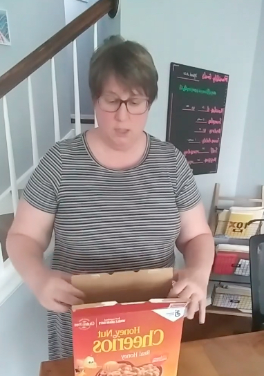 This Cereal Box Folding Hack Made at Least One Mom Absolutely Lose Her Mind