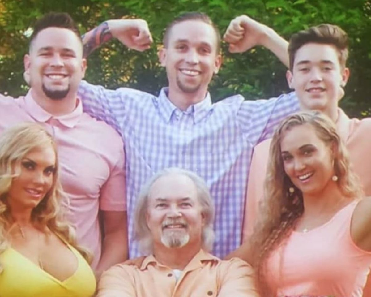 coco austin reveals her dad is losing fight against covid-19