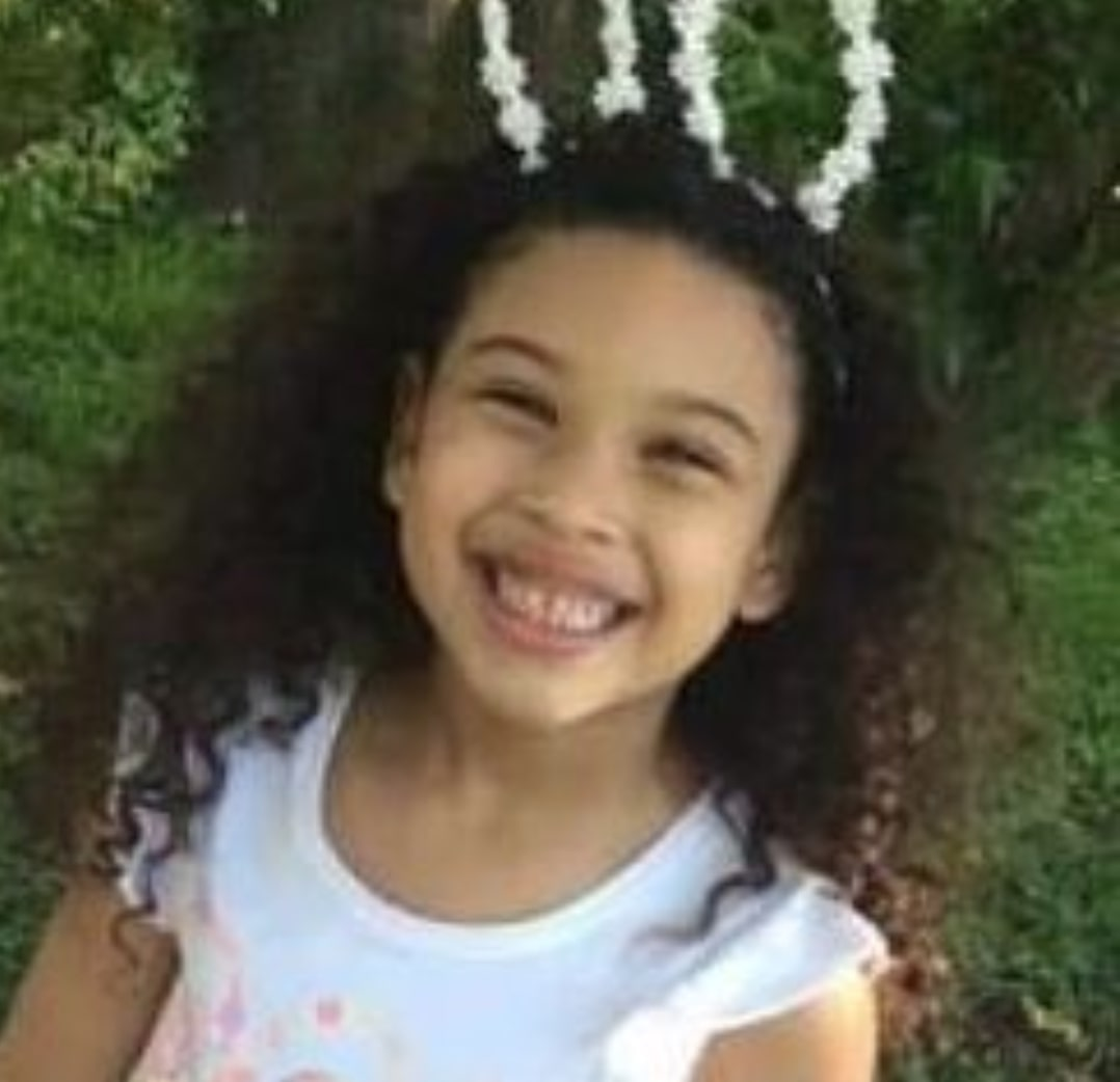 mom fatally shoots 5-year-old daughter, blames toddler son