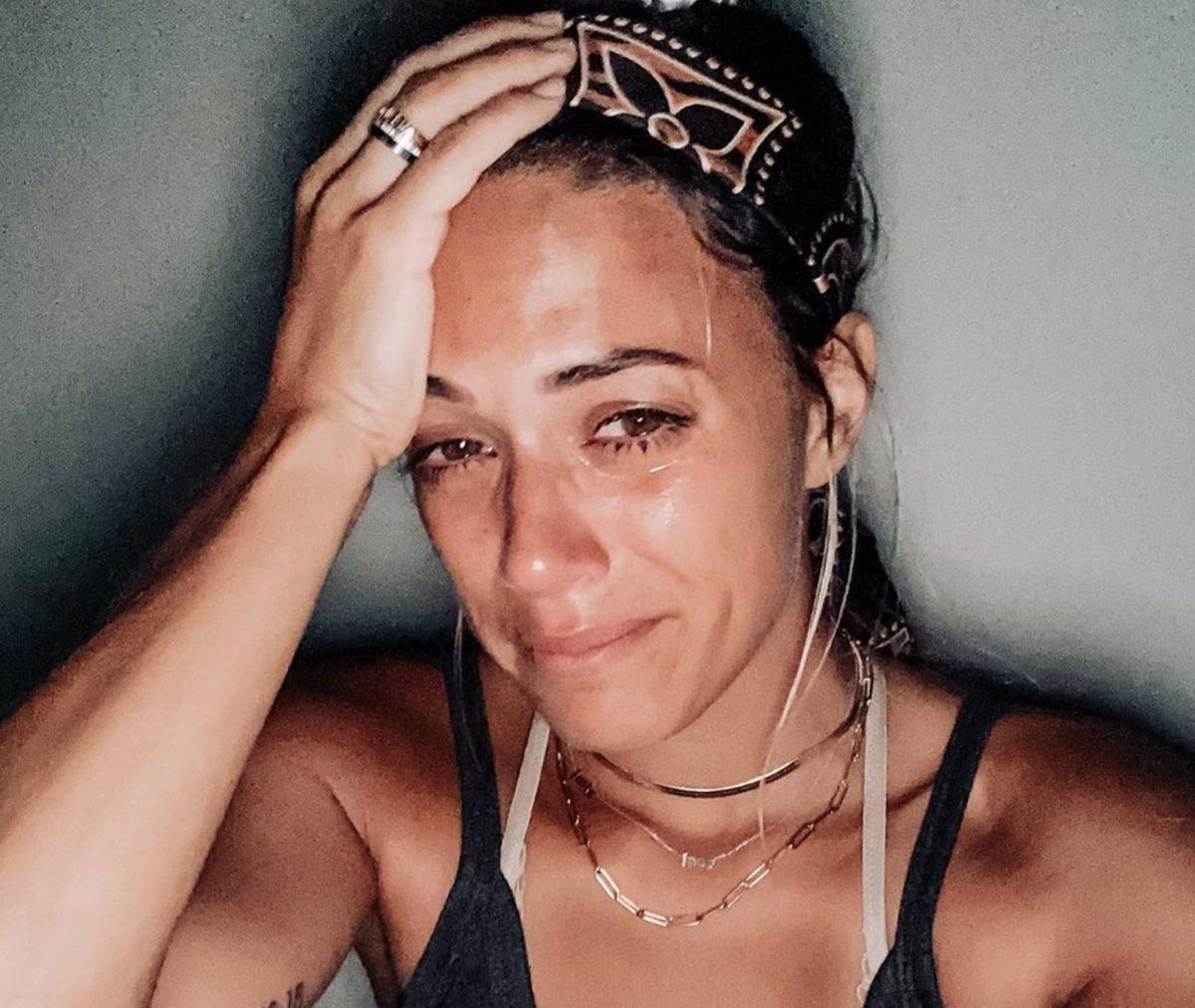 Jana Kramer Posts Tearful Selfie Over Son's Sleep Regression