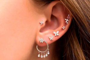 25 irresistible ear piercing combinations for constellation piercings