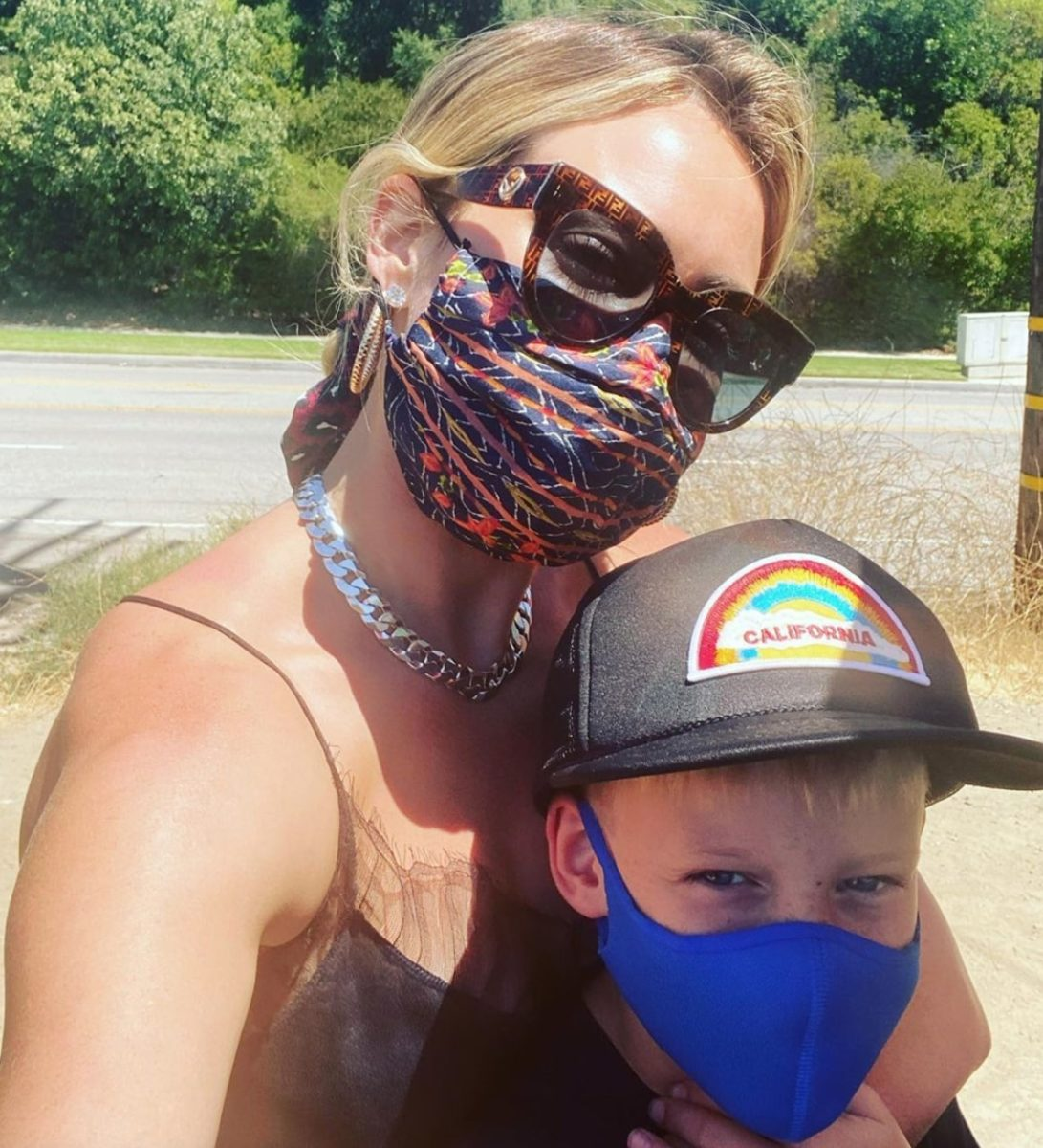 hilary duff's reaction son's $4 roblox request is relatable