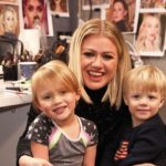 Kelly Clarkson Believes She Is Not The 'Worst Mom Ever' for Dyeing Her Daughter's Hair Purple