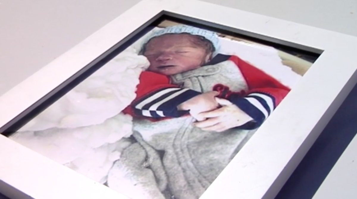 """mom begs for someone to return her baby's ashes after they were stolen from her car in broad daylight 