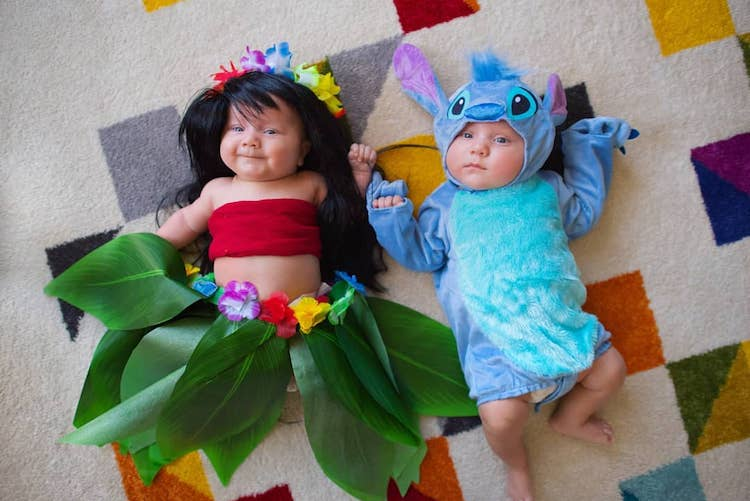 25 Cute and Creative Twin Halloween Costumes