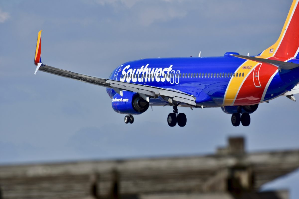 Mom Kicked Off Flight After 3-Year-Old Couldn't Keep Mask On